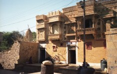 Schönes Haus in Rajasthan - India 2006 Fuji Superia 200-jpg