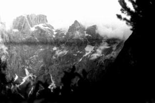 ORWO P400 Blick auf die gegenüberliegende Bergwand