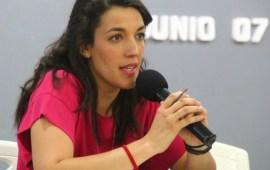 Peniley Ramírez imparte conferencia por el día de la Libertad de Expresión