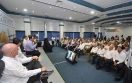 Las empresas veracruzanas llevarán mano en la construcción de infraestructura en el estado: Pepe