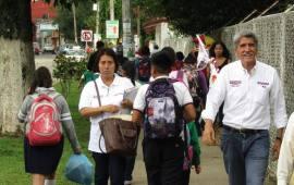 El Barrio de San Bruno abrió las puertas de sus casas para recibir a Hernández Villalpando