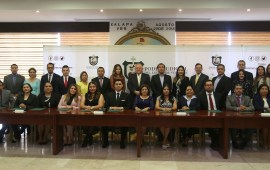 Entrega Magistrado Presidente, Edel Álvarez, nombramientos a 15 nuevos Jueces Especializados en Materia Familiar