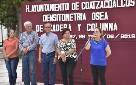 Realizan estudios de detección de osteoporosis en el parque Independencia