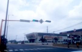 Rehabilita Tránsito más semáforos en cruceros de Coatzacoalcos