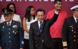 Encabeza gobernador Cuitláhuac García desfile conmemorativo del 209 aniversario del inicio de la Independencia de México