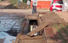 Intensifican limpieza de canales y colectores en Coatzacoalcos