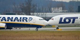 b787-dreamliner-krakow-airport-06