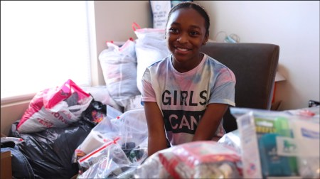 """14-year-old Girl is Feeding Charlotte's Homeless because """"I Know How It Feels to Not Have Food or Anywhere to Stay"""""""