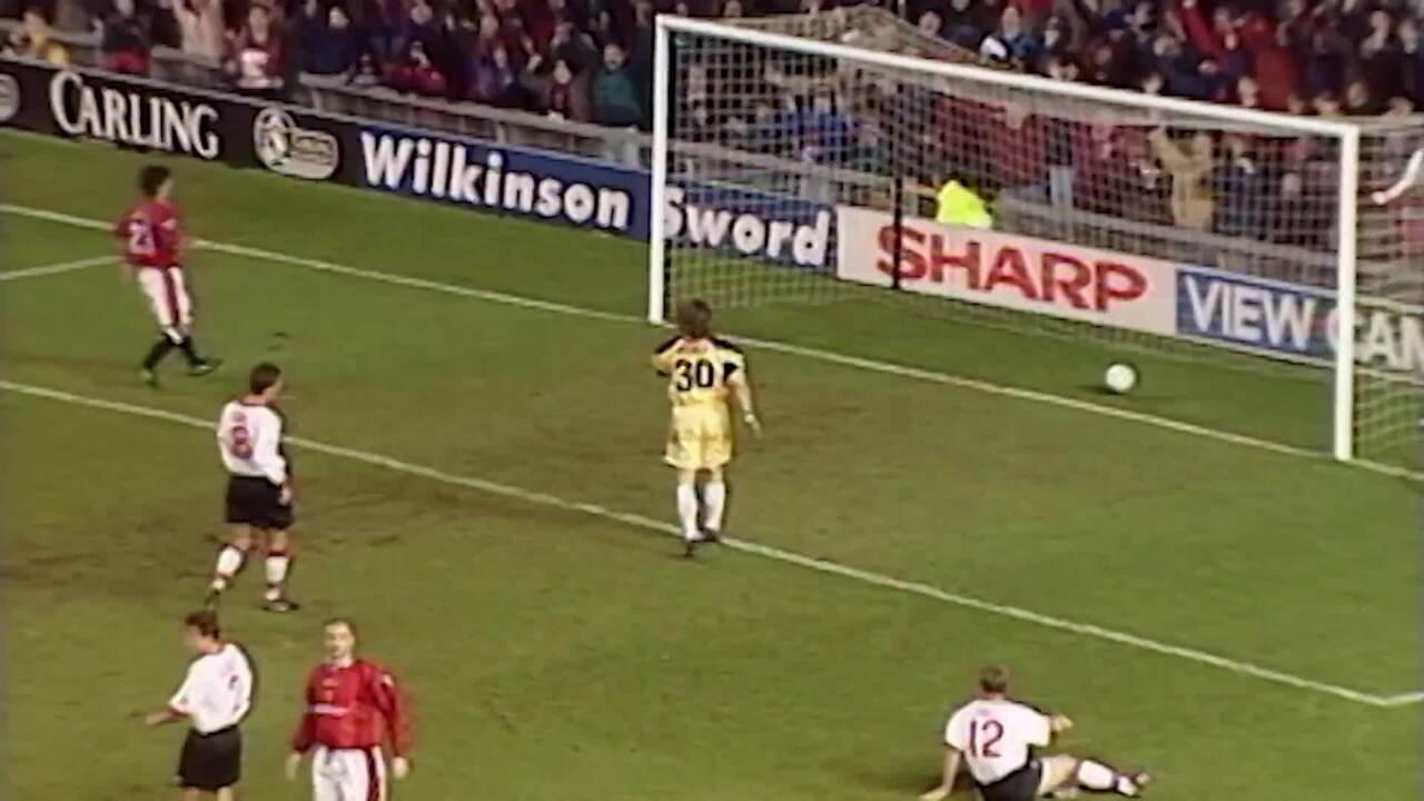 Il y a 7 ans. Utd Podcast Cantona Tells Story Behind Sunderland Celebration Manchester United