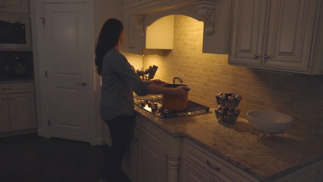 good earth s 2 rechargeable color changing under cabinet 12 led lights qvc com