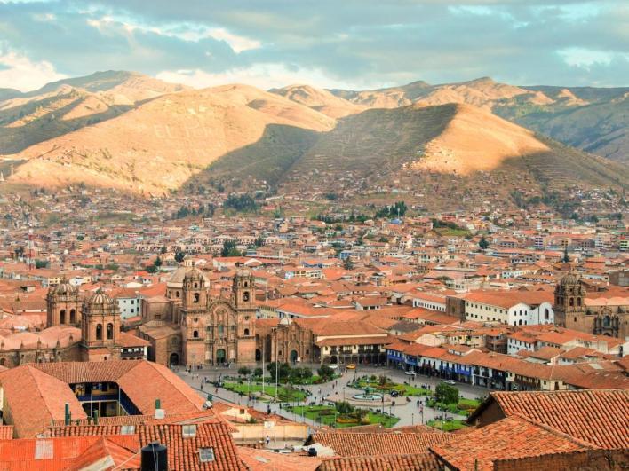 Quảng trường Plaza de Armas của Cusco nằm ở trung tâm phố cổ