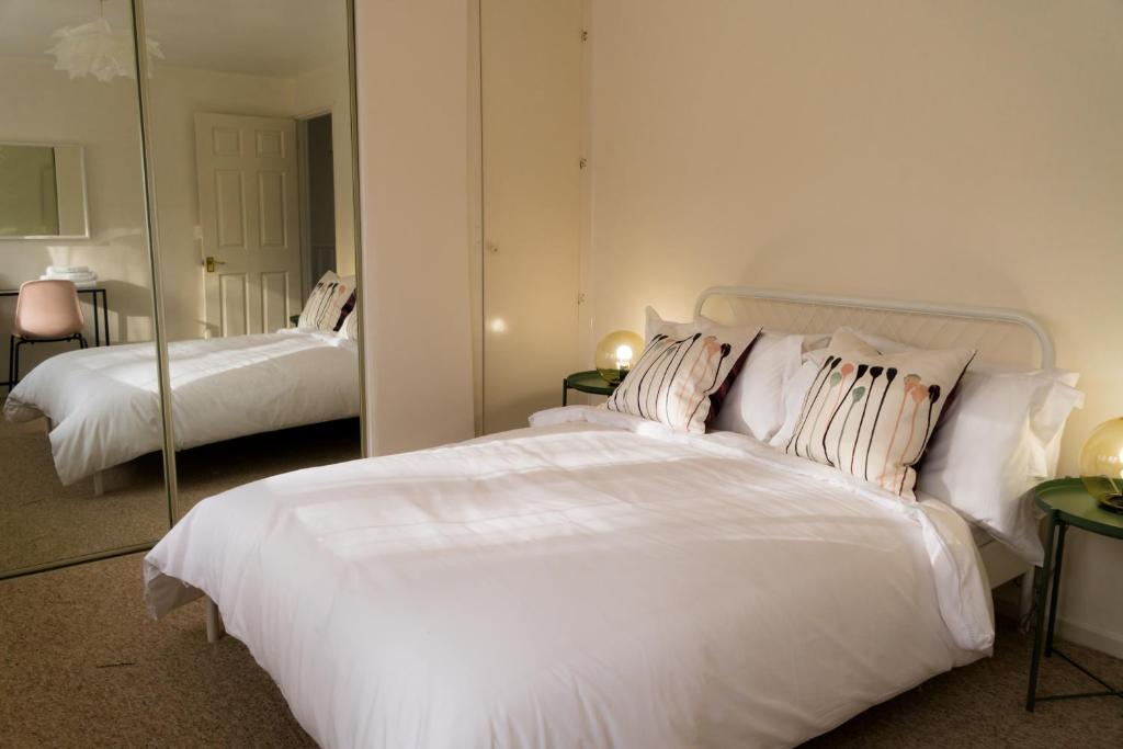 homestay cosy double bedroom with