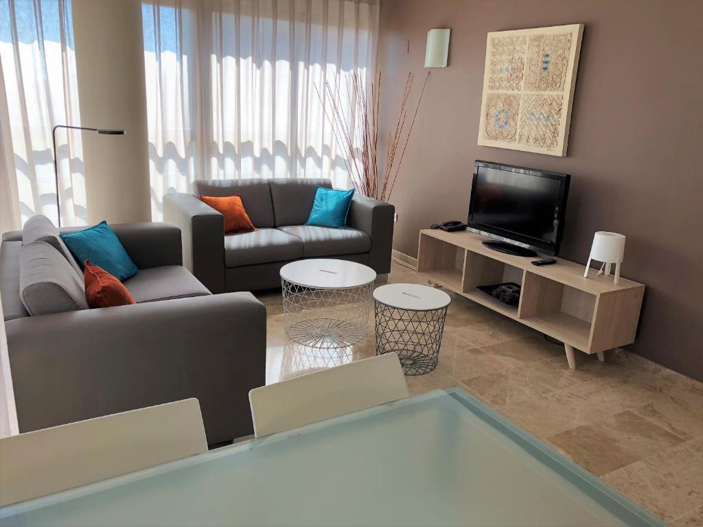 Apartamentos tiene 1 empleo en su perfil. Apartamentos Plaza Picasso, Valencia - Bijgewerkte prijzen ...