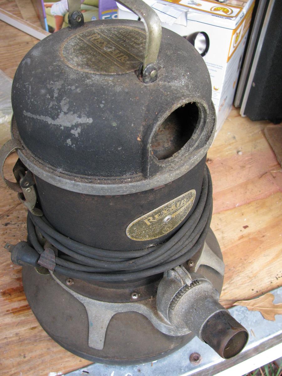 Early Vaccum Cleaner Rex Air