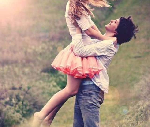 Cute Ways To Carry Or Hold A Girl