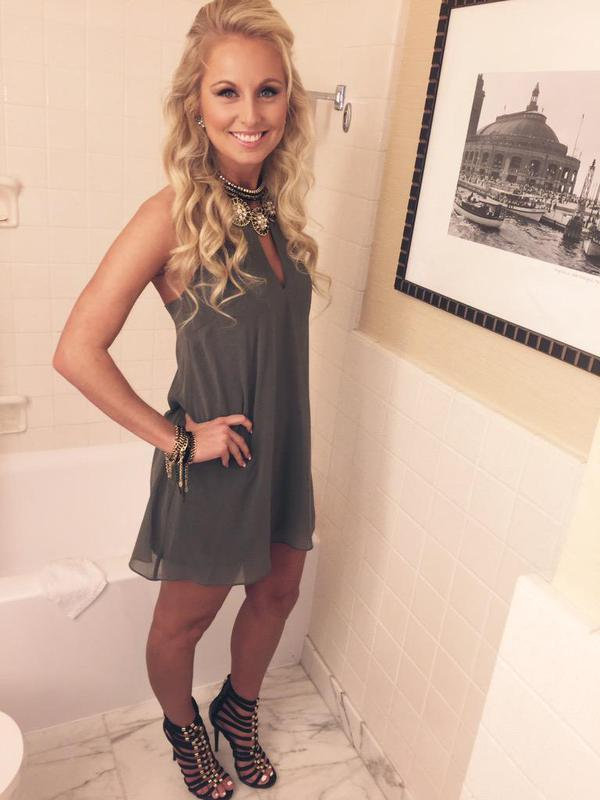 Is Kevin Whites Girlfriend A 10 Or A Average Looking