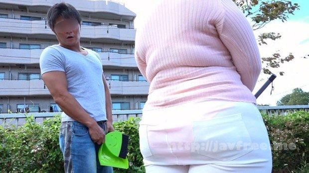 [HD][CHCH-002] 町内会清掃でピタパンくっきりの巨大尻をフリフリさせて誘惑してくる爆乳痴女奥さん 留美(30歳)