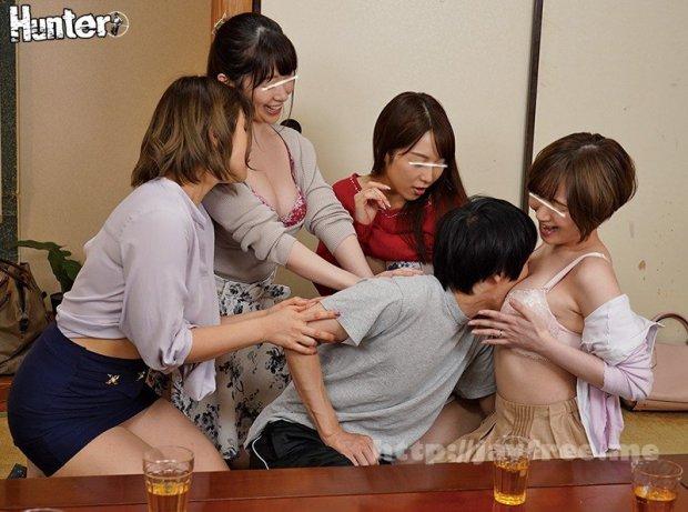 [HD][HUNTA-879] 「どのお姉ちゃんのおっぱいが好き?」『私とエッチしよ!』『ダメ私が先!』巨乳過ぎる親戚のお姉ちゃんたちが自慢のおっぱいで童貞のボクを誘惑!