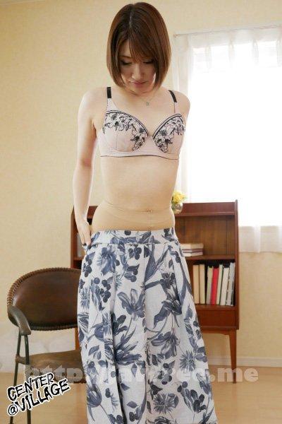 [4K][JRZE-072] 初撮り人妻ドキュメント 斉藤栞奈