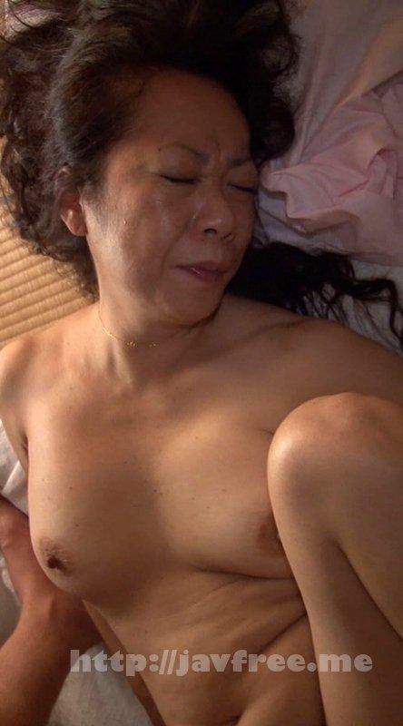 [HD][NASH-585] こんなおばさんに何するの!女を忘れた場末の温泉宿の熟女(女将/仲居/女性客)でも密室で絶倫チ○ポに迫られたら なすすべはない…全国秘湯めぐり
