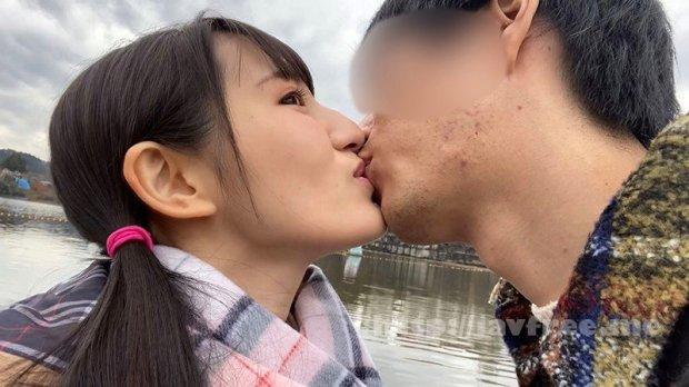 [HD][SUN-010] 接吻露出 学校では優等生を演じてるベロちゅう好きな本物ビッチ。所構わず自撮りでわいせつ発情デート