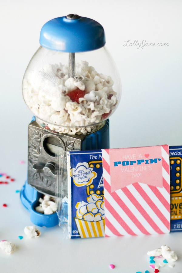 Valentine's Day Popcorn Mix Snack Recipe and FREE Printable Gift Tags via Lolly Jane