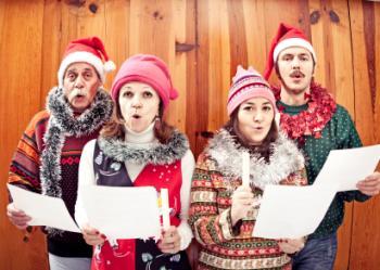 https://i1.wp.com/cf.ltkcdn.net/christmas/images/std/155164-350x249-FamilyCaroling.jpg