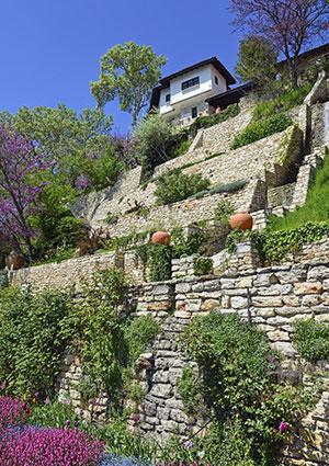 Slope Landscaping Ideas | LoveToKnow on Steep Sloping Garden Ideas id=38597