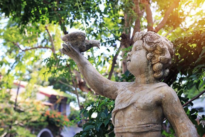 Choose The Perfect Garden Statues For Your Outdoor Oasis