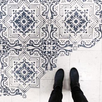 10 wonderful bathroom tile paint ideas