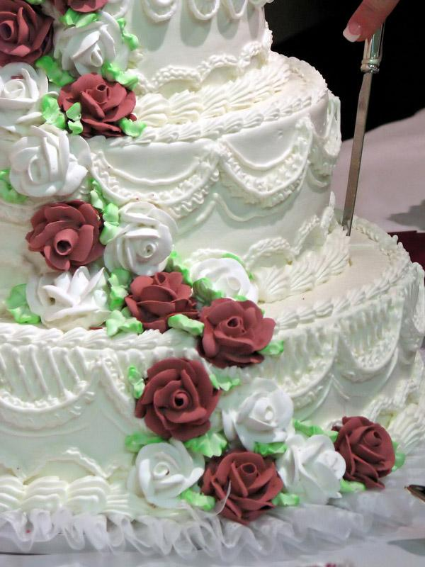 Buttercream Wedding Cake Designs   LoveToKnow extravagant cake design
