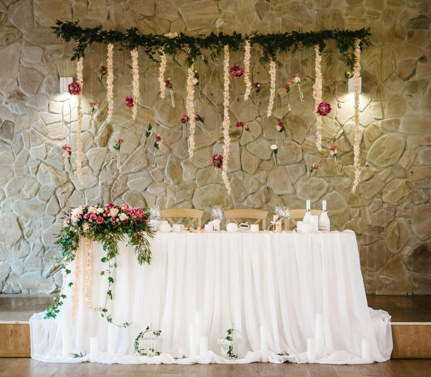 pictures of head table decorations