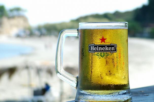 Foodista 10 Best Super Bowl Beer Commercials
