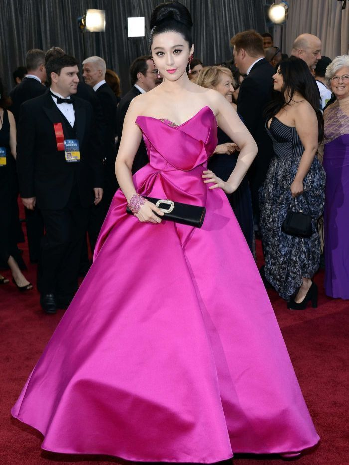 Fan Bingbing wearing Marchesa and jewellery by Chopard on the Oscars red carpet.
