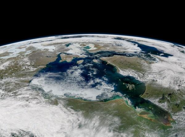 Lingering sea ice on the Hudson Bay • Earth.com
