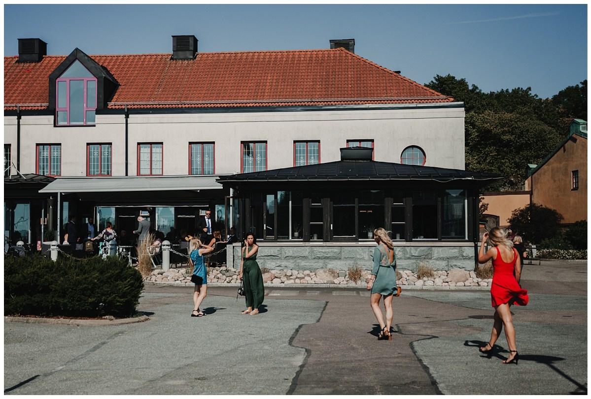 Bröllopsfotograf Göteborg dockyard hotel wedding photographer