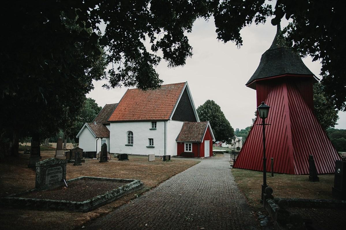 bohemiskt bröllop bröllopsfotograf västra götaland Mjäldrunga wedding photographer Sweden church