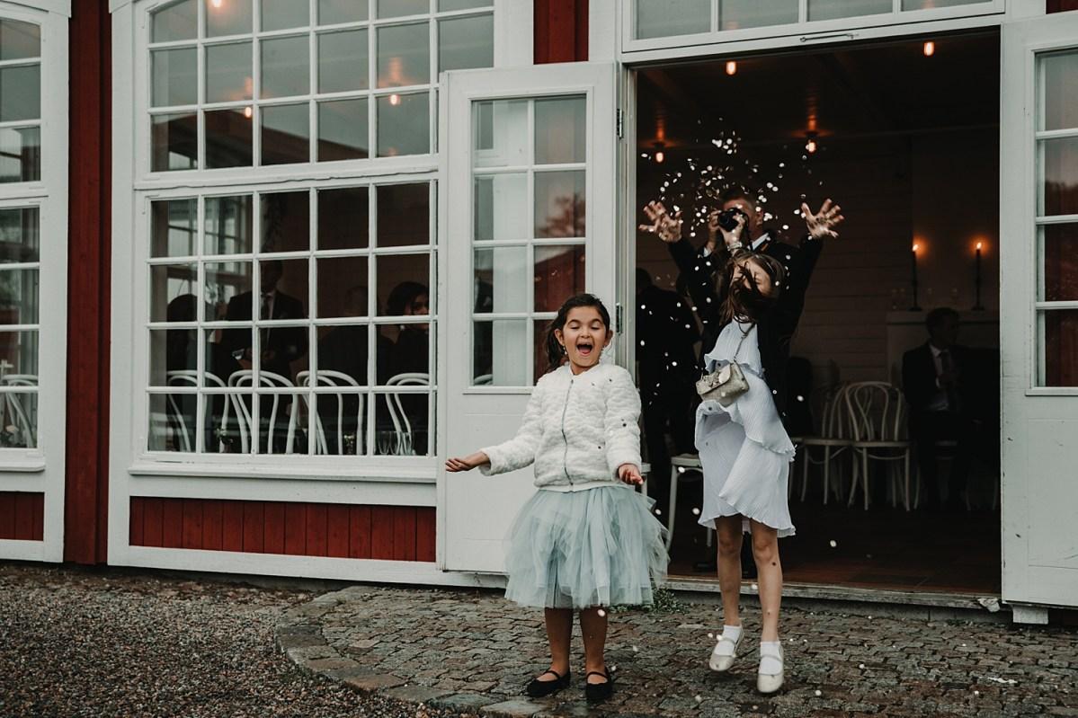 BröllopsfotografStora holds säteri lek och bus wedding photographer
