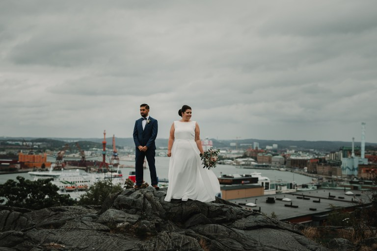wedding photographer Sweden Gothenburg masthuggs kyrkan wedding photos city view