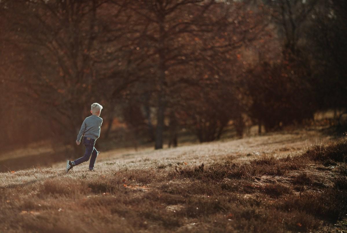 Familjefotografering i magiskt vinter solljus porträttfotograf Göteborg Family photoshoot portrait photographer Sweden