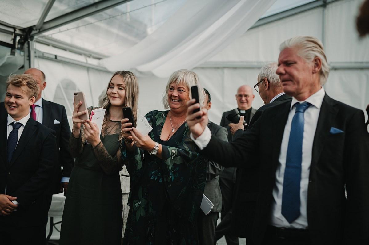 brollopsfotograf goteborg hjuvik wedding photographer Sweden ceremony