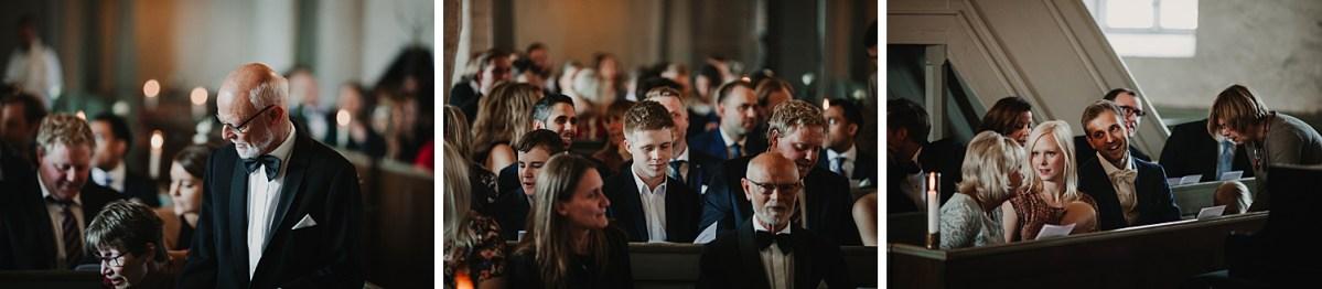 Gästerna Mariakyrkan Båstad Bröllopsfotograf