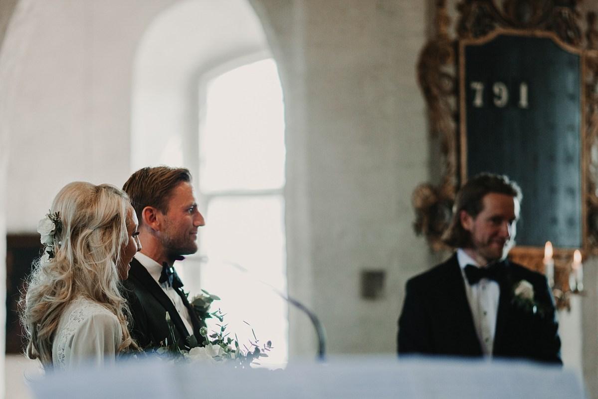 Brud och Brudgum Maria Kyrkan Båstad wedding photographer Sweden Ceremony