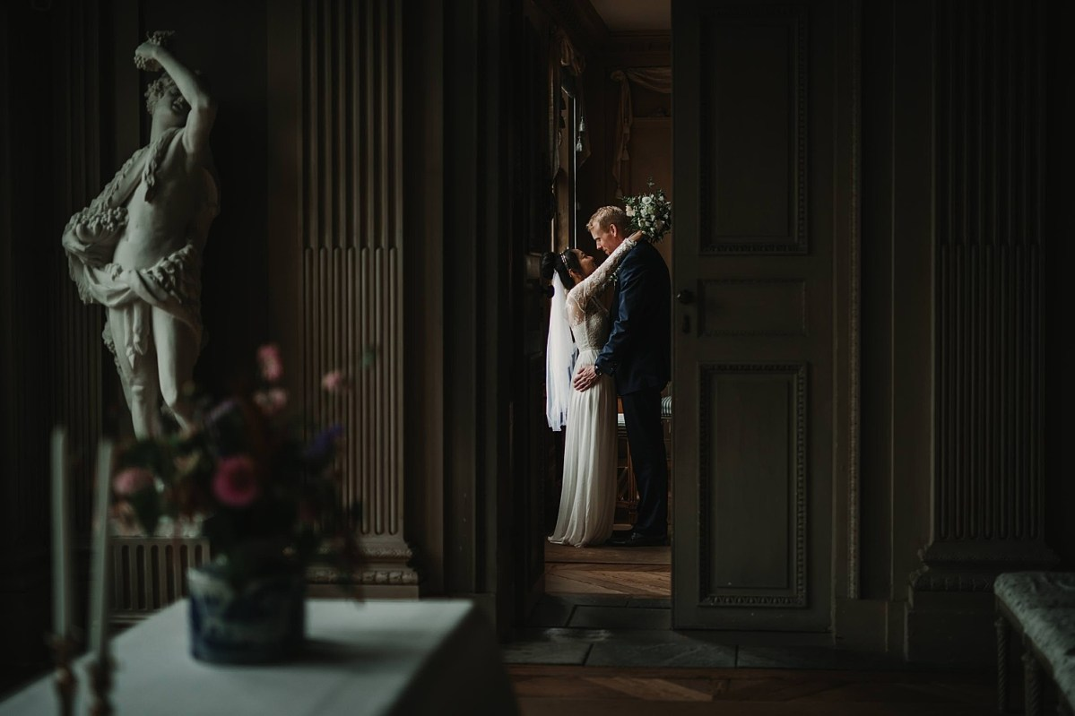 love wedding portraits Gunnebo Castle Wedding photographer Sweden