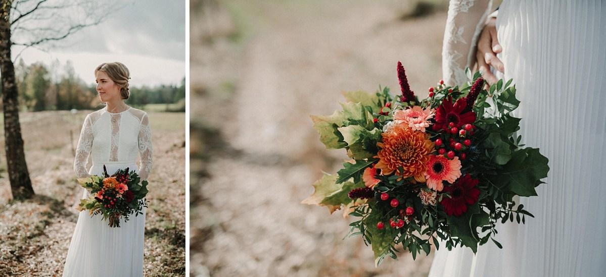 brudbukett DIY bröllopsklänning bröllopsfotograf wedding flowers autumn wedding wedding dress