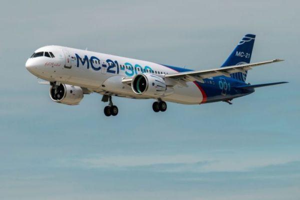 Новый среднемагистральный самолет МС-21 совершил первый ...