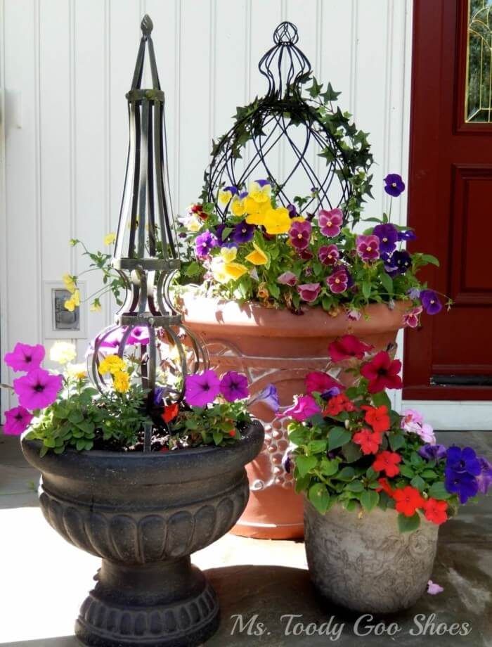 The most popular new beautiful front door flower pots that make sure to inspire you to increase your home beauty.