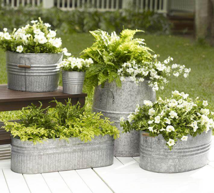 Beautiful front door flower pots that will make your space look professionally designed.