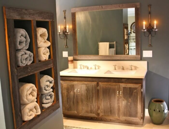 Quick and easy rustic farmhouse bathroom decor that will make your space look professionally designed