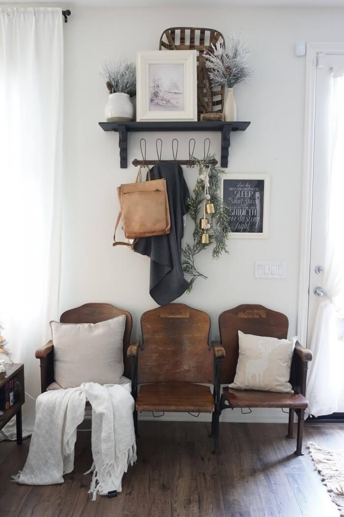 {Remodel Decor Inspiration} Cheap and Easy farmhouse office decor that will Inspire your next remodel for that Lived-In Look. You'll Swoon For.
